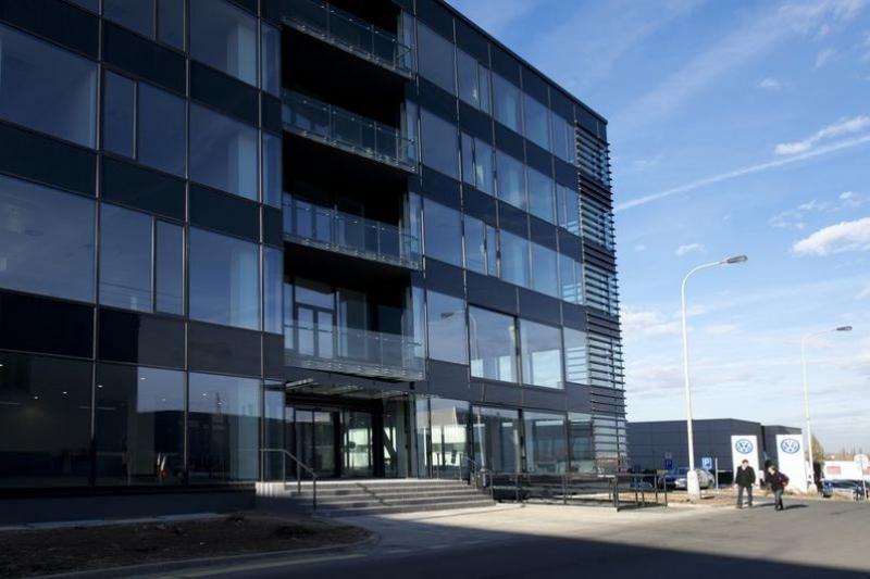 Autosalon Klokočka, Rekonstrukce administrativní budovy v Praze