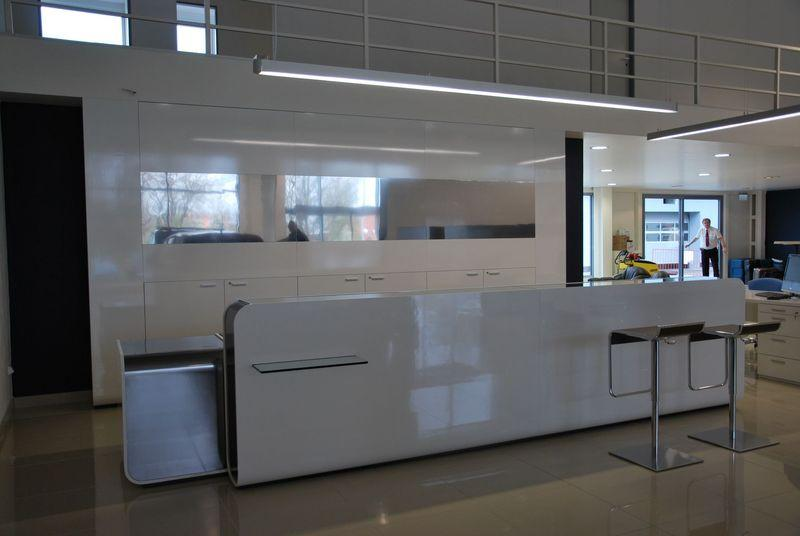 Autosalon Peugeot v Hradci Králové
